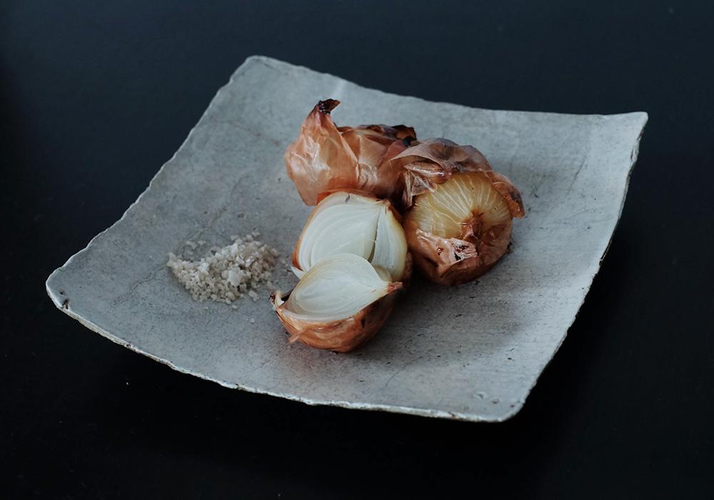 陶器 ミヤチヤスヨさんの角皿